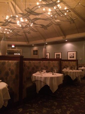 Ruth's Chris Steak House : Great decorating