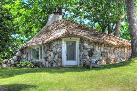 Mushroom Houses of Charlevoix: Our first home to discover
