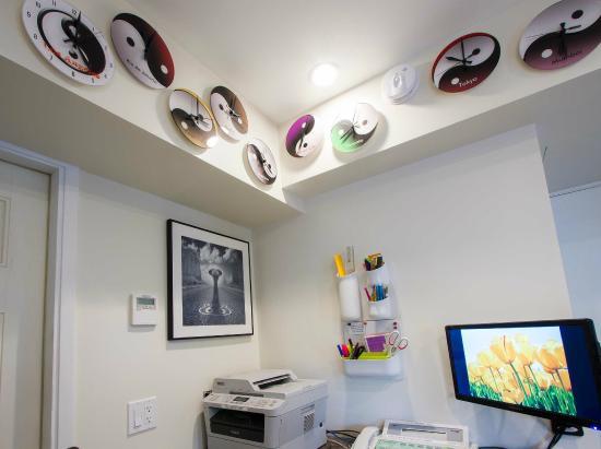 Regency Inn Los Angeles: Office