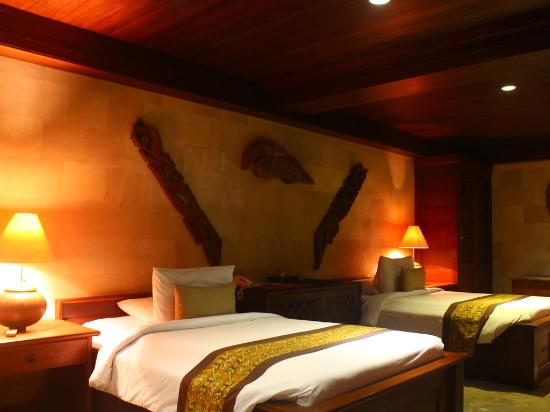The Kampung Resort Ubud: Suite Top Hill Room