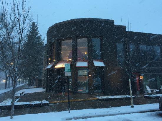 Hotel Aspen: Außenansicht Haupteingang