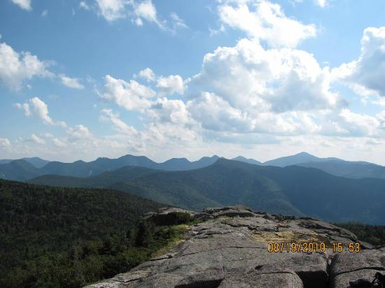 Keene, Nova York: Hiking to summit of Hurricane Mtn