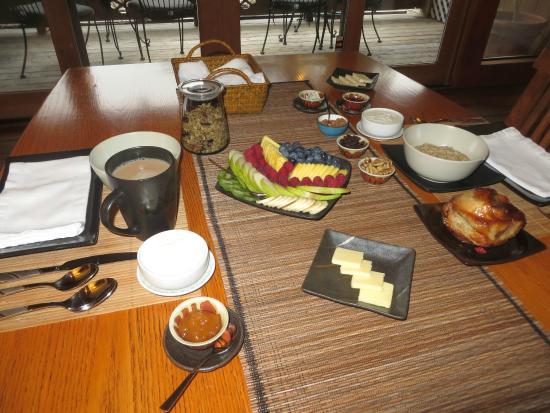Osprey Peak Bed & Breakfast: Wonderful breakfasts!