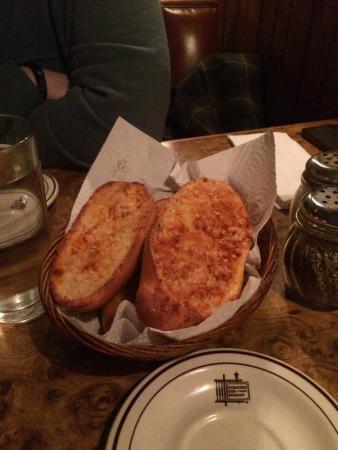 Garlic bread appetizer.
