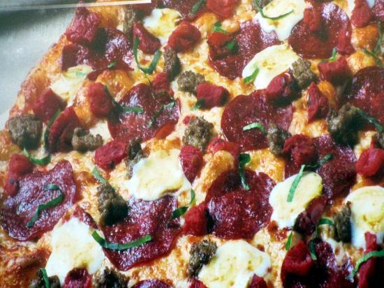 Attirant Round Table Pizza, Los Gatos   57 N Santa Cruz Ave   Restaurant Reviews,  Phone Number U0026 Photos   TripAdvisor