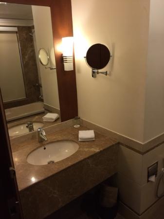 Hotel Kailash International: salle de bain