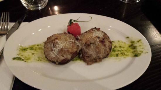 Luciano's Ristorante Italiano: Filled field mushrooms