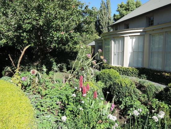 Old Wesleydale Heritage Accomodation: garden