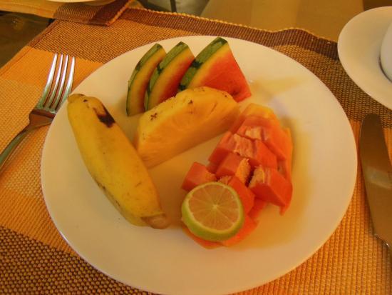 The Hideaway Ella: Breakfast fruit plate