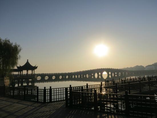 Zhouzhuang Water Town: Landmark of Zhouzhuang - Twin Bridges