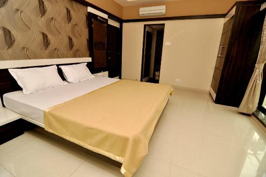 Good Hotel Elegant: Well Furnished Room