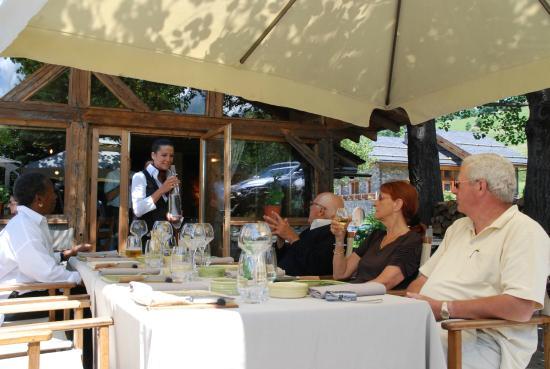 La Bouitte: gezamenlijke lunch tijdens ene kookcursus