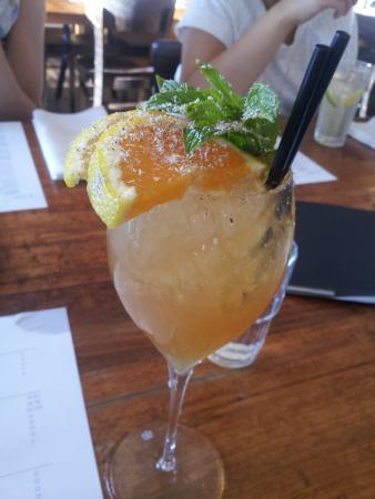 Il Lido: Mai tai cocktail with nutmeg