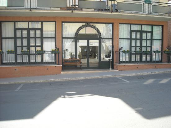 Badia Al Pino, Italia: Entrata principale