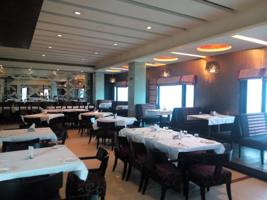 Crystal Restaurant : getlstd_property_photo