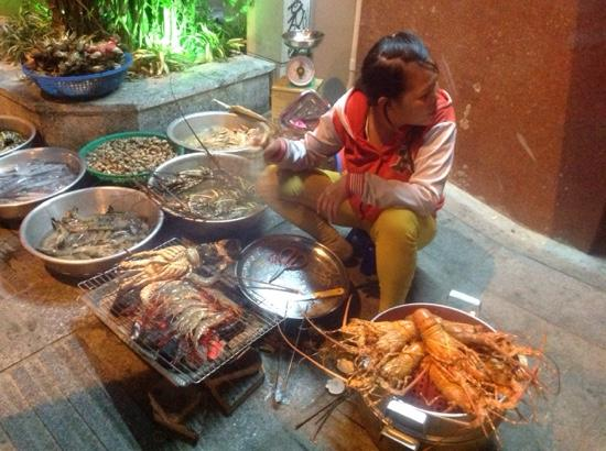 Sheraton Nha Trang Hotel and Spa: street food nearby - yummo lobster, prawns, squid etc.  you must try. delicious