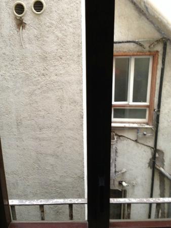 Hotel Firenze: Veduta dalla finestra