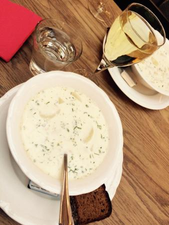 Aschan Cafe Jugend : Creamy salmon soup - nothing to write home about...