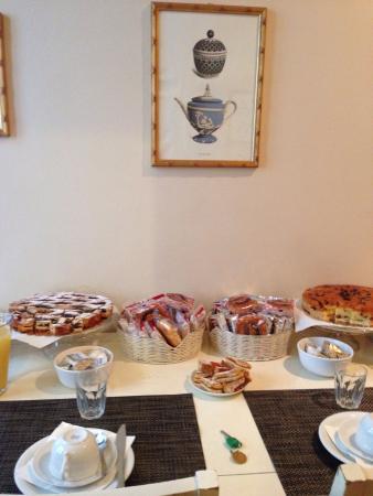 Residenza Dei Pucci: Tavolo colazioni