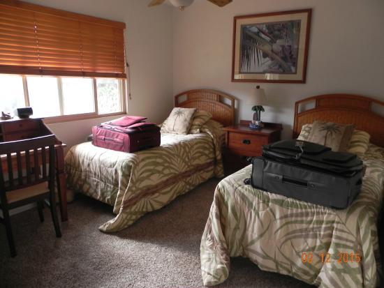 Lokelani Condominiums: Second Bedroom