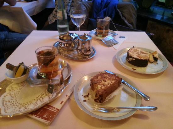 Cafe Wahlen: Tipica domenica pomeriggio