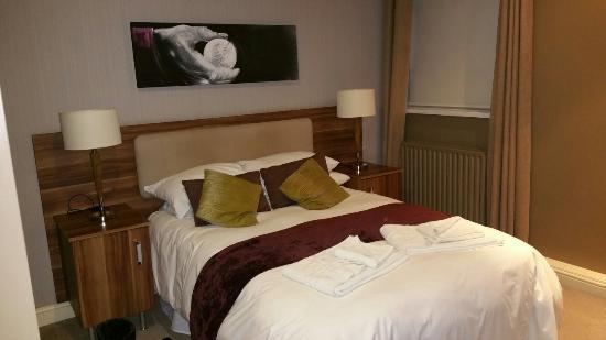 Fairways: Comfy spacious bed