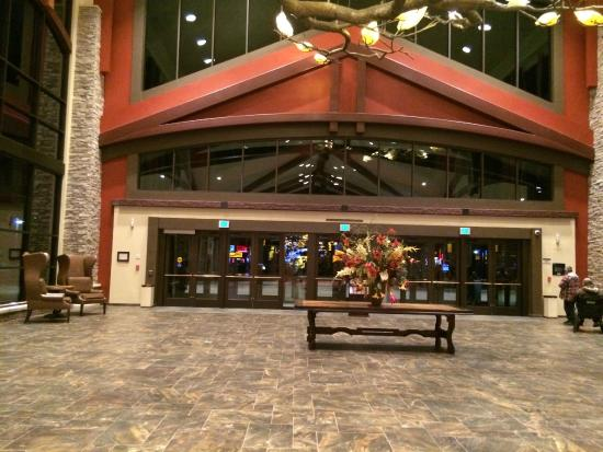 Choctaw Casino Resort: Entrance to Hotel