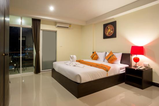 The Elegant Patong Hotel: Deluxe Double Room