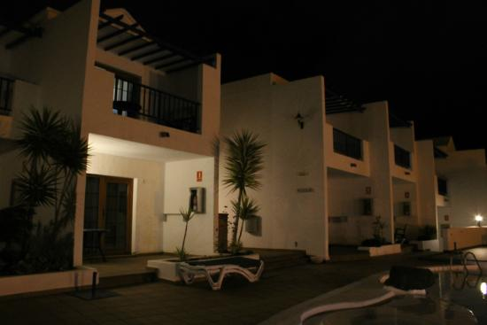 Apartamentos Isla de Lobos : An evening view
