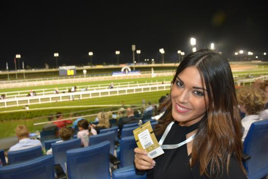 Meydan Racecourse: en la grada