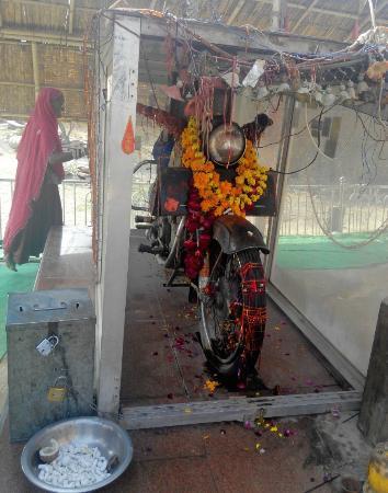 Pali, India: The Bullet Bike