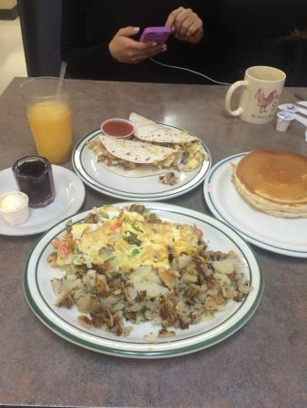 Pete's Cafe : Omelette and Breakfast Tacos