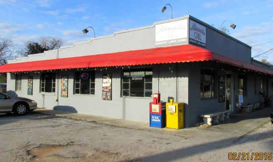 Minneola Grill: Store