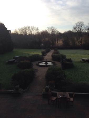Rothley Court Hotel Restaurant: Frosty morning over the gardens.