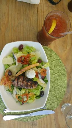 Cap Estate, Sta. Lucía: Jerk and Caesar