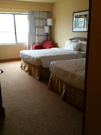 Courtyard Farmington : Room #212 facing Berg Park/Animas River