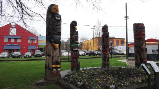 Duncan Totem Poles: Grouping of totems