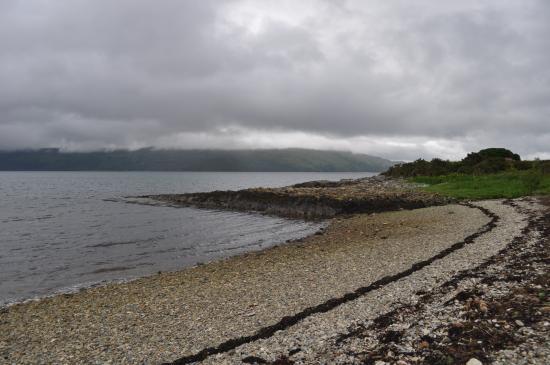 Craignure Inn: craignure shoreline.