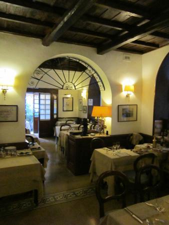 Taverna Giulia : Taverna Guilia Dining Room