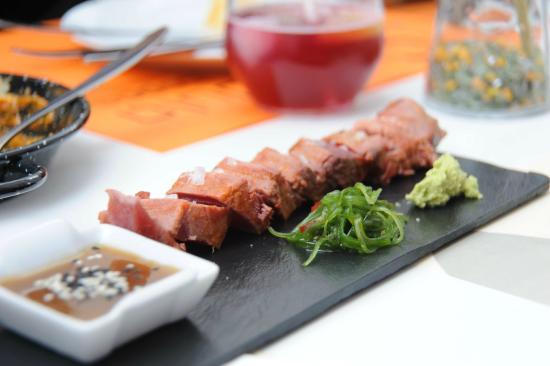 Calendula tapas: Tuna, teriyaki, wasabi