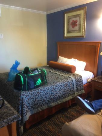 Beachwalker Inn & Suites: One of the beds.