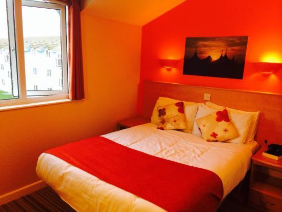 Butlin S Skegness Resort Gold Apartment Bedroom