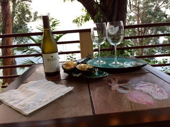 Waipio Rim: Evening Pupus and wine