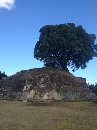 Laguna Lodge Eco-Resort & Nature Reserve: iximche mayan ruins
