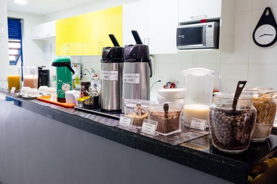 Injoy Hostel: Café da manhã