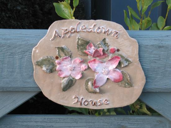 Appledown House Bed and Breakfast: Name plate