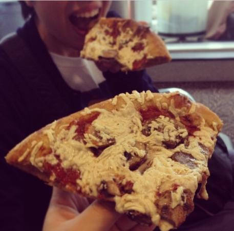 Mellow Mushroom : ビーガンピザ vegan pizza