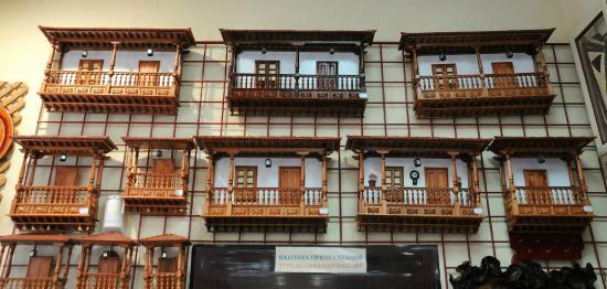 Balcones canarios fotograf a de artesan a santa catalina - Balcones cerrados ...