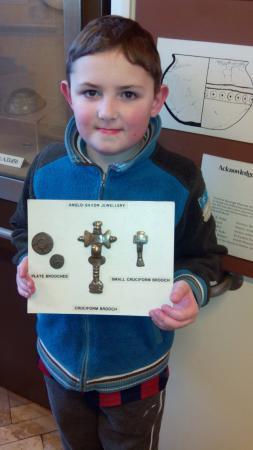Dartford Borough Museum: Saxon jewellery