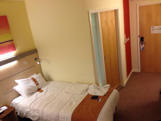Holiday Inn Express Burnley: rooooom